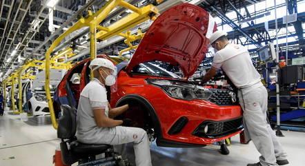 Produção industrial acumula ganho de 10,5% em 2021