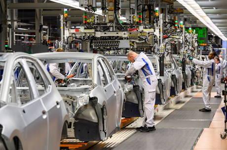 Venda de automóveis ajudou indústria da Europa