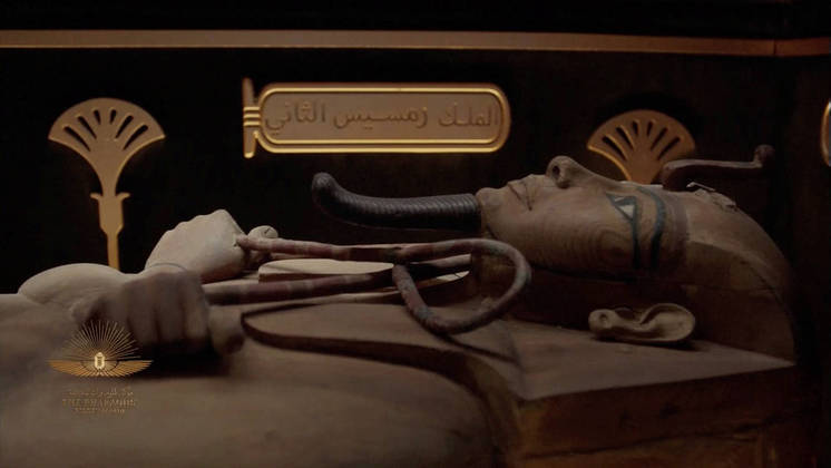 A mummy is seen in a video screened during a ceremony of a transfer of Royal mummies from the Egyptian Museum in Tahrir to the National Museum of Egyptian Civilization in Fustat, in Cairo, Egypt April 3, 2021. Host Broadcaster/REUTERS TV via REUTERS THIS IMAGE HAS BEEN SUPPLIED BY A THIRD PARTY.