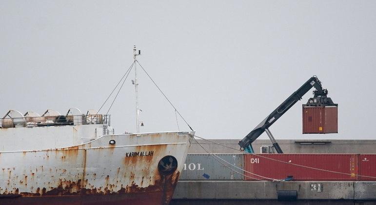 O Karim Allah transportava 895 animais que foram impedidos de desembarcar