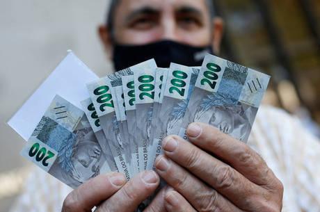Notas de R$ 200 têm o mesmo tamanho das de R$ 20