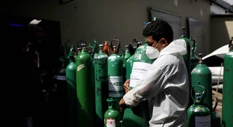 Painel mostra que maioria dos estados brasileiros estão com os estoques de oxigênio em situação crítica
