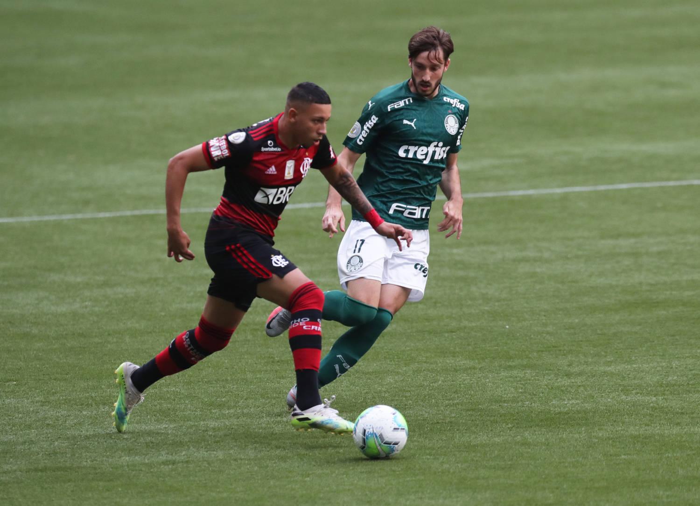 Flamengo foi obrigado a jogar contra o Palmeiras. E fez da CBF sua inimiga assumida