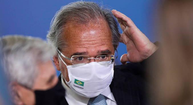 """Um ano atrás, Paulo Guedes previu dólar a R$ 5 apenas com """"muita besteira"""""""
