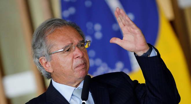 Paulo Guedes diz estar frustrado por governo não ter vendido estatais