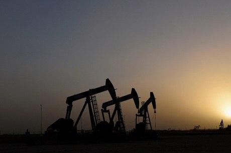 Preço do petróleo desaba 2% com temor sobre vírus chinês