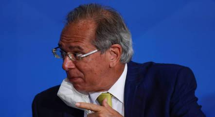 """""""Temos economistas negacionistas também"""", diz Guedes"""