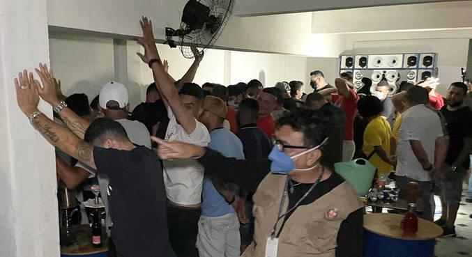 Homem de 39 anos foi detido por organizar uma festa clandestina