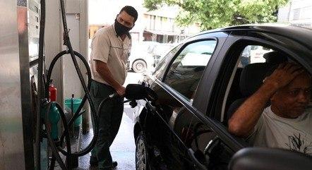 Inflação descolou da meta com alta dos combustíveis