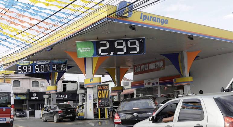 Postos deverão afixar painel informativo detalhando a composição de preços