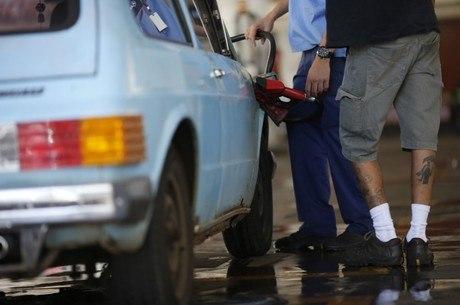 Etanol foi único combustível que ficou mais barato