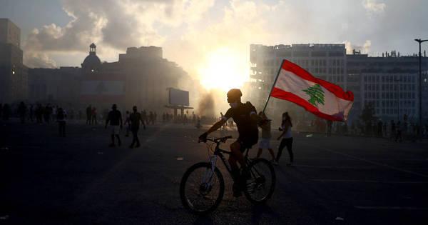 Em meio a crise e protestos, premiê libanês propõe antecipar eleições