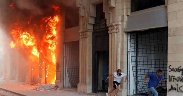 Policial morre e 172 pessoas ficam feridas em protestos em Beirute
