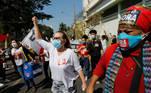 A capital mato-grossense uniu-se a outras cidades que se manifestam neste sábado (19) contra o governo de Jair Bolsonaro
