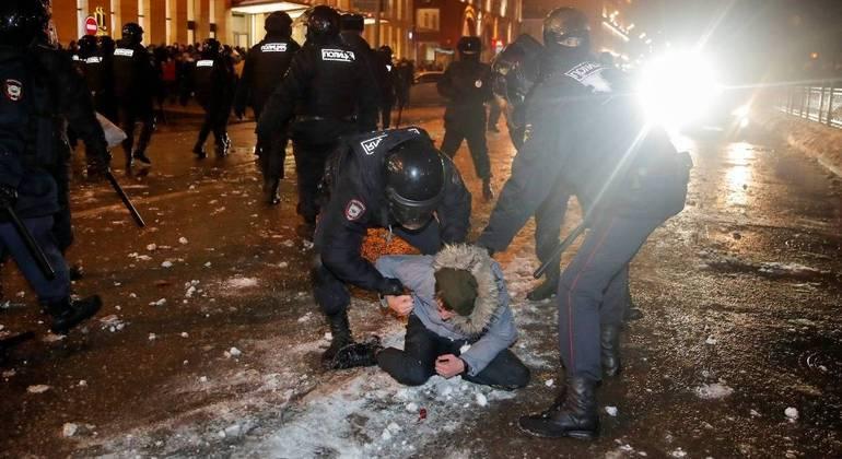 A polícia deteve mais de 1.500 pessoas