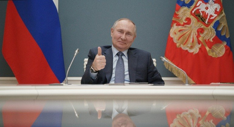 Desde 2000, Putin ficou apenas 4 anos fora da presidência russa