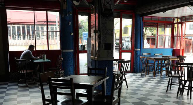 Prefeitura fechou bares que não cumpriram regras da quarentena