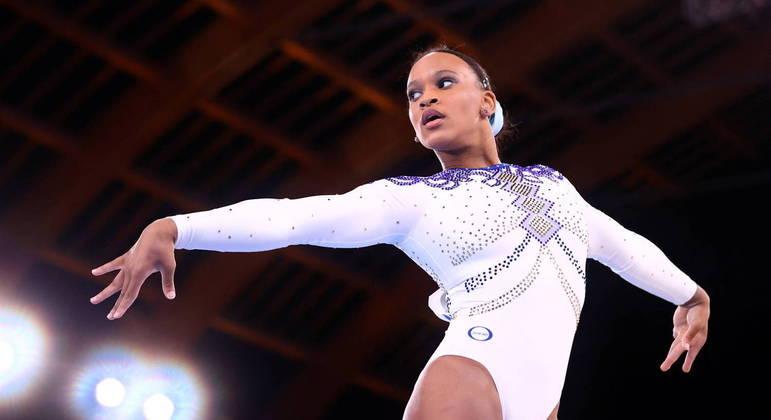Rebeca Andrade durante apresentação na Olimpíada de Tóquio