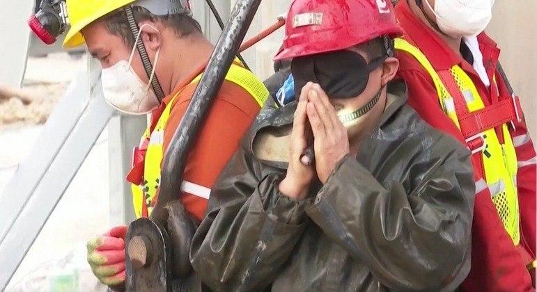 22 mineiros ficaram presos após explosão no dia 10