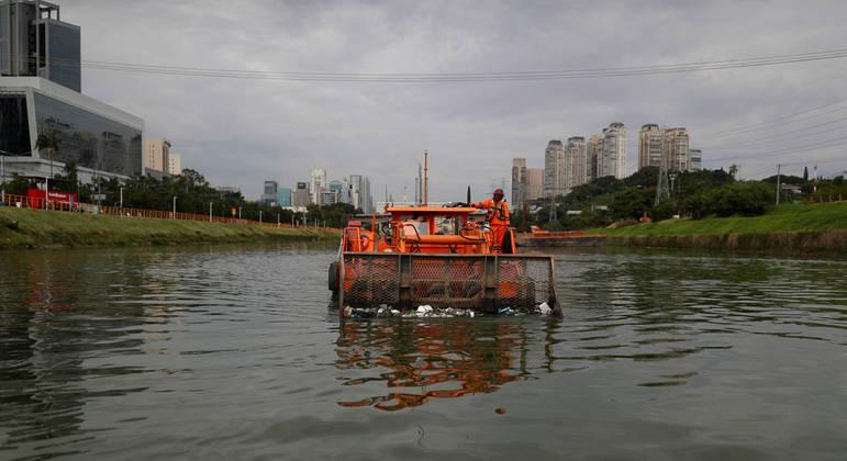 Governo de SP capta US$ 100 milhões para despoluição do rio Pinheiros