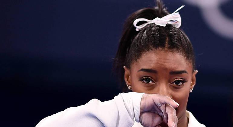 Simone Biles não vai defender o título olímpico no solo