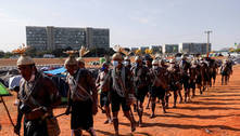 Acampamento indígena em Brasília atrai celebridades