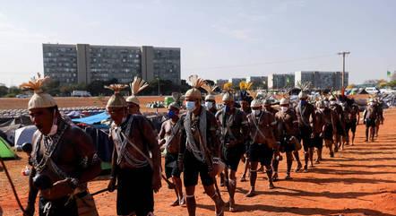 Na imagem, indígenas em Brasília