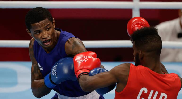 Wanderson buscou a luta nos três assaltos, mas o cubano foi superior e conectou mais golpes