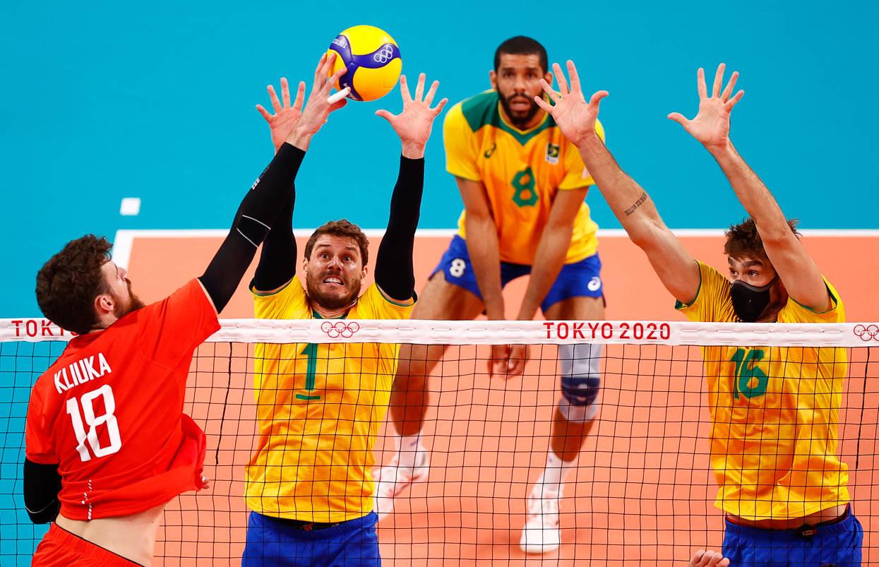 Brasil perde, mas mantém chances no vôlei masculino - Esportes - R7  Olimpíadas