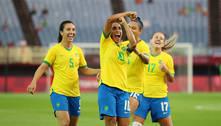 Pelé escreve para Marta: 'Muito mais que uma jogadora de futebol'