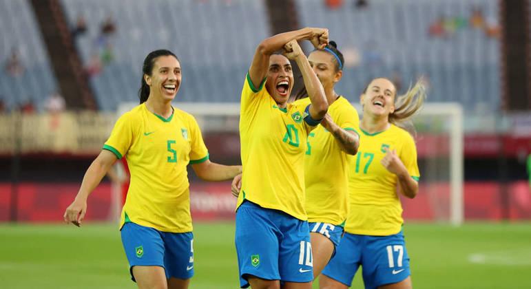 Marta comemora gol marcado contra a China