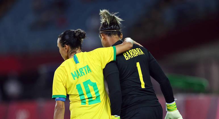 Marta e Barbara. A triste imagem da eliminação precoce do Brasil. Adeus Tóquio