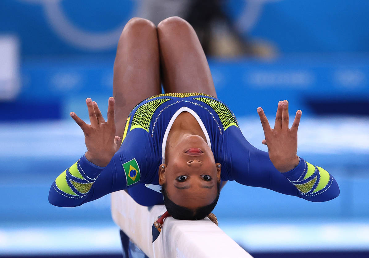 Tokyo 2020 Olympics - Gymnastics - Artistic - Women's Individual All-Around - Final - Ariake Gymnastics Centre, Tokyo, Japan - July 29, 2021. Rebeca Andrade of Brazil in action on the balance beam. REUTERS/Lindsey Wasson