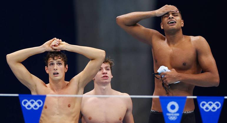 Momento em que a equipe brasileira descobre ter sido desclassificada