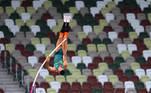 Tokyo 2020 Olympics - Athletics - Men's Pole Vault - Final - Olympic Stadium, Tokyo, Japan - August 3, 2021. Thiago Braz of Brazil in action REUTERS/Aleksandra Szmigiel