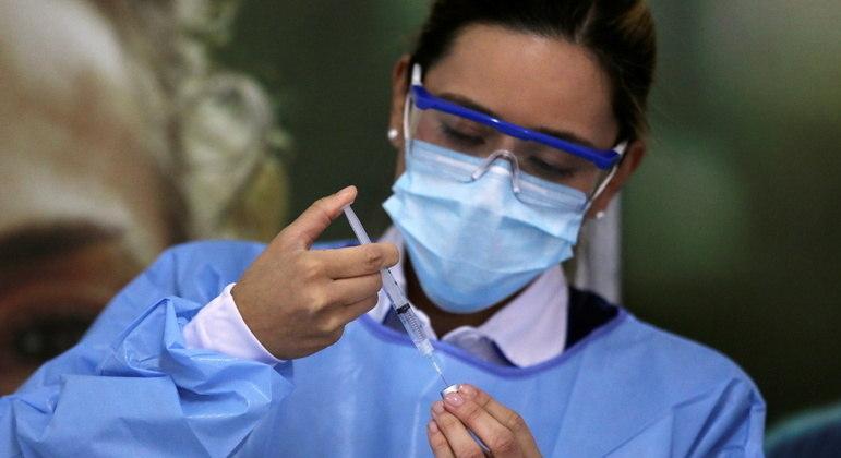Mesmo com vacinação iniciada, Colômbia mantém fronteiras fechadas para conter a pandemia