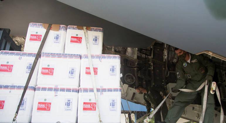 Carregamento da CoronaVac chega a São Paulo para distribuição pelo Instituto Butantan