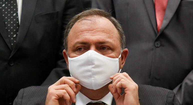 """Brasil terá """"avalanche de propostas"""" de vacinas, disse Pazuello"""