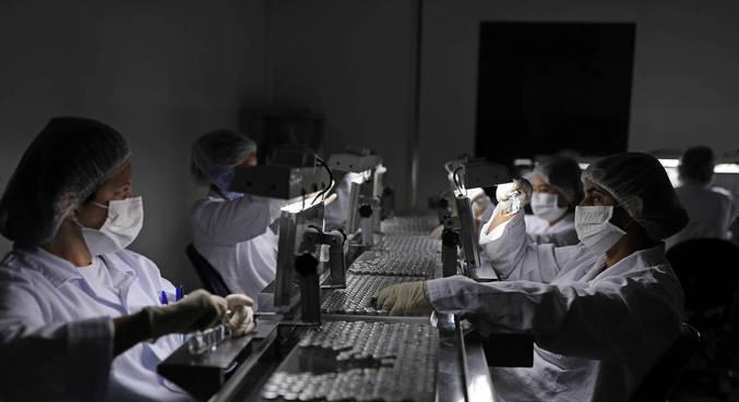 Inspeção no Instituto Butantan, onde está sendo produzida a CoronaVac