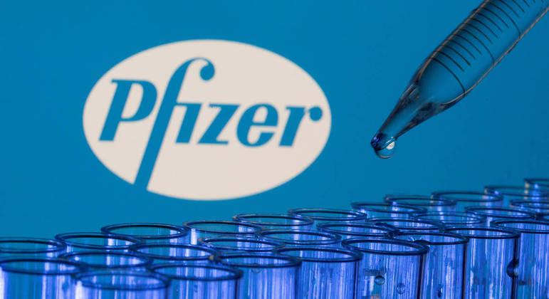 936 mil doses de vacinas da Pfizer que chegaram ao país na quarta-feira (2)