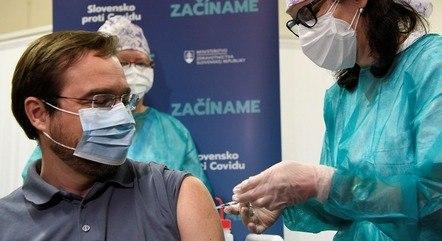 Eslováquia iniciou vacinação neste sábado