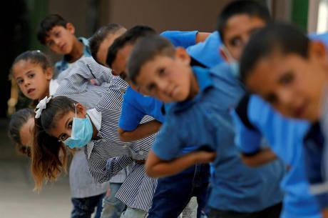 Israel vai fechar escolas depois de aumento de casos