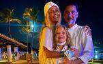 Adriane Galisteu deu boas-vindas a 2021 na companhia do marido e do filho