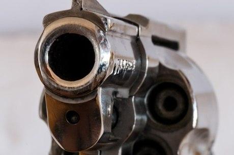 Armadilha foi armada com um revólver