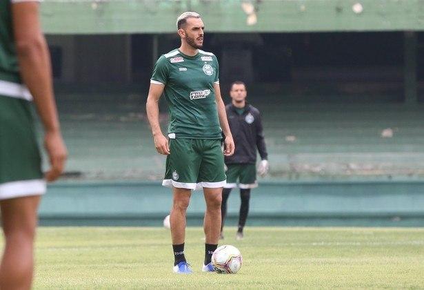 Rhodolfo - O zagueiro do Coritiba é outro que ficará livre no mercado em fevereiro de 2021 e poderá buscar outra equipe.