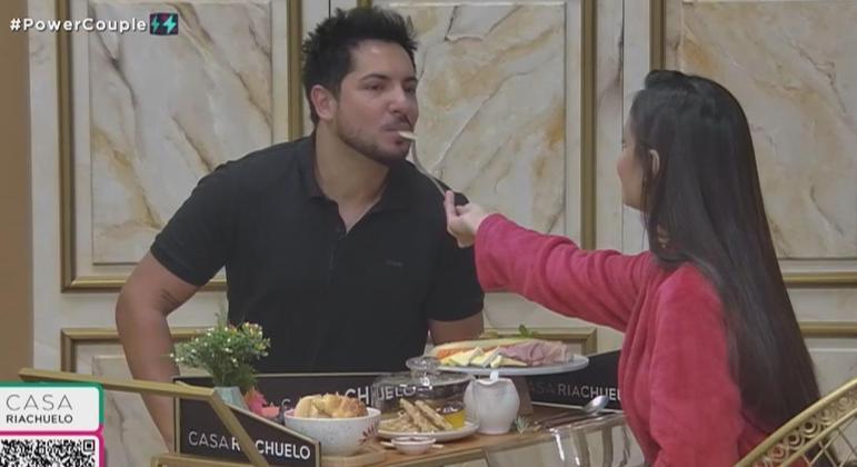 Geórgia e Thiago curtiram muito o café da manhã da Casa Riachuelo