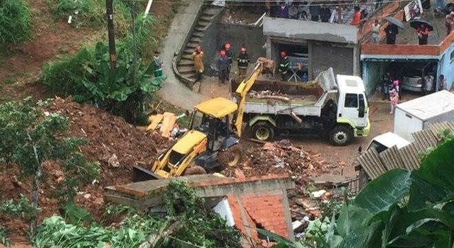 Desabamento em Ribeirão Pires matou duas pessoas nesta segunda-feira