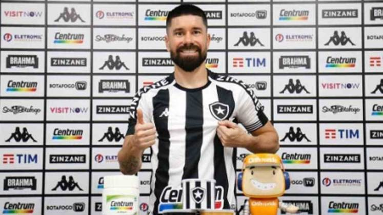 Ricardinho: Em seis jogos com a camisa do Botafogo no Estadual, ele tem um aproveitamento 86,5% nos passes tentados e quatro desarmes.