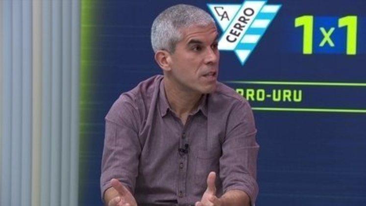 Ricardinho jogou por Paraná, Bordeaux e Corinthians no período, tendo conquistado vários títulos. Como comentarista, atua desde 2018 no SporTV.