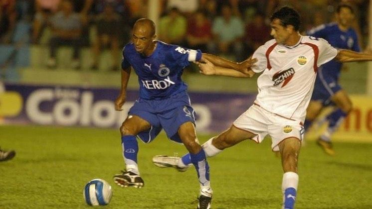 Ricardinho - volante - 45 anos - Ídolo no Cruzeiro, fez apenas oito jogos pelo Timão em 2007 e logo em seguida encerrou a carreira.